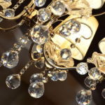 come pulire un lampadario antico