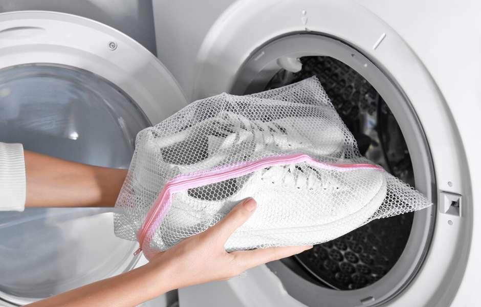 Come Lavare le Scarpe in Lavatrice? Guida Passo Passo